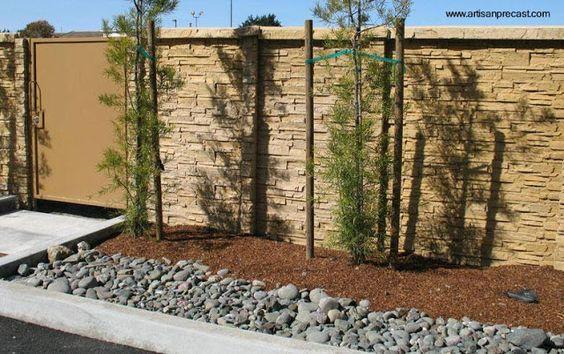 Arquitectura de Casas: Muros exteriores y perimetrales de piedra artificial.