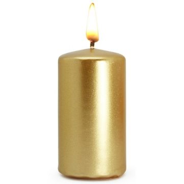 Velas de color dorado para la suerte