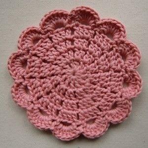 tan tan*オリジナルのお花のコースターです。直径:約10㎝ 素材:コットン100%他のお色との組み合わせも可です。お気軽にお問い合わせください(#^.^...|ハンドメイド、手作り、手仕事品の通販・販売・購入ならCreema。