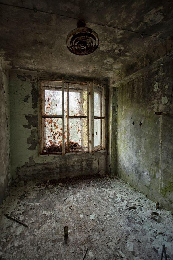 Forsaken - An abandoned room in Pripyat
