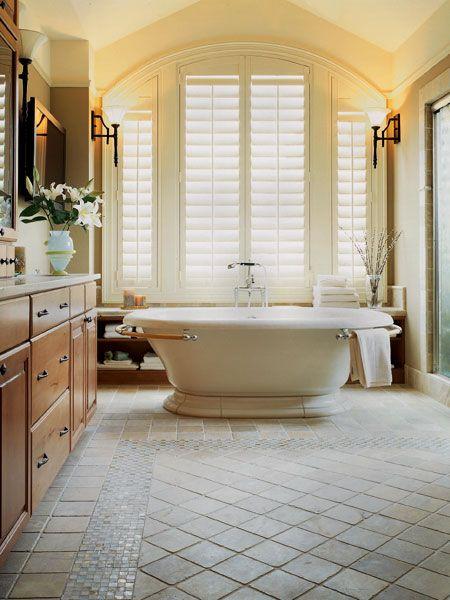 I really like the tub.. Especially with the towel bar. :]