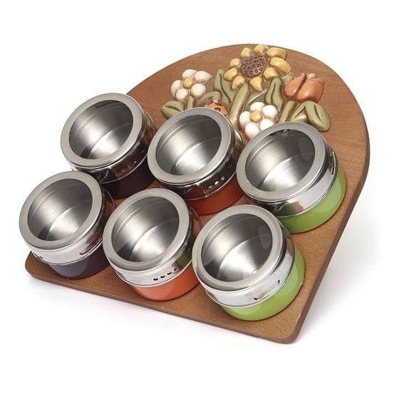 Un modo simpatico per organizzare le #spezie in #cucina ?! Scopri l'originale #Portaspezie magnetico della linea  #Country di #Thun.