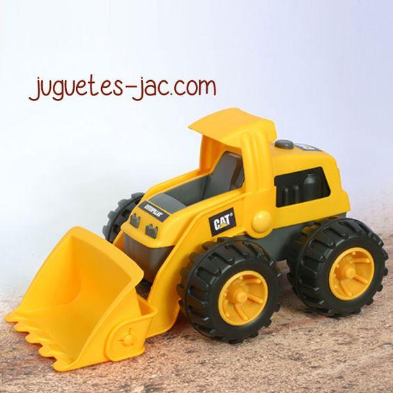 Excavadora grande con pala articulada para recoger arena o tierra.