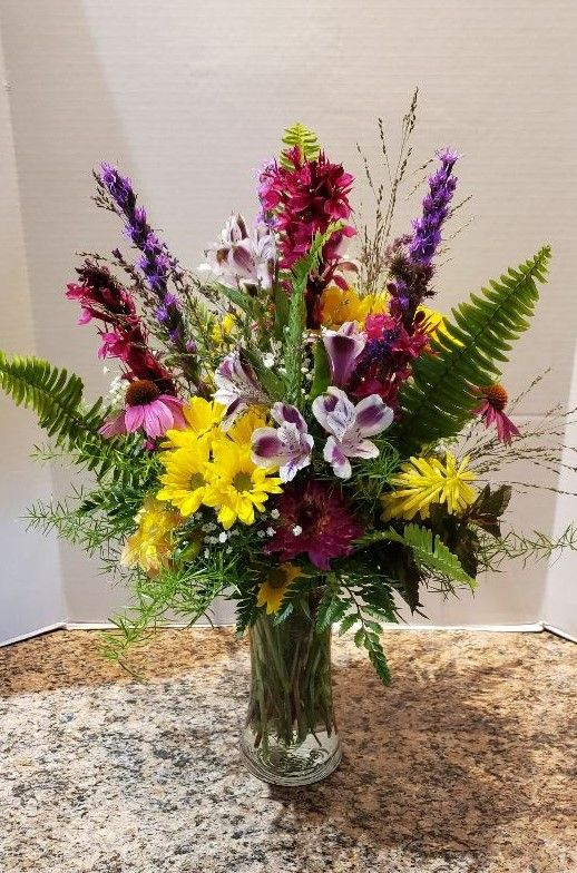 Pin By Zaiser S Florist Greenhouse On Original Designs Same Day Flower Delivery Flower Delivery Flower Garden