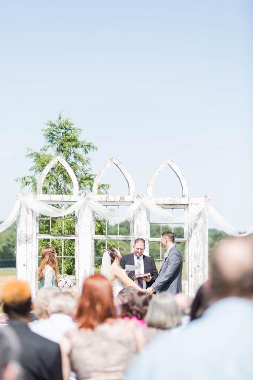 Nickajack Farms Summer Wedding Akron Ohio Wedding Photographer Ohio Wedding Venues Ohio Wedding Photographer Outdoor Wedding