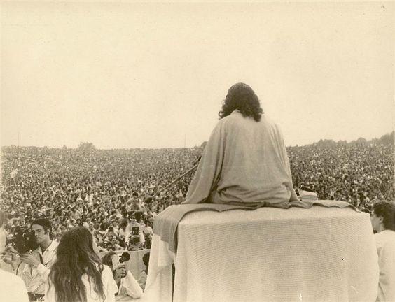 Resultado de imagen para swami satchidananda en woodstock