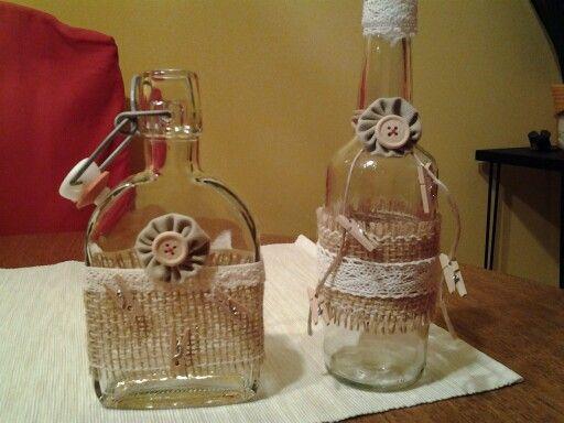 Kleine flaschen verziert wohn dekoration pinterest for Leere flaschen dekorieren
