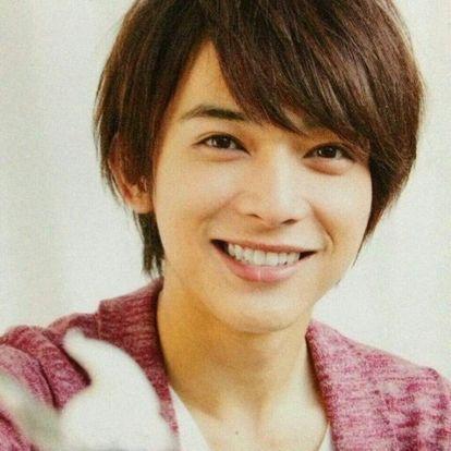 満面の笑みがすてきな吉沢亮の高画質画像