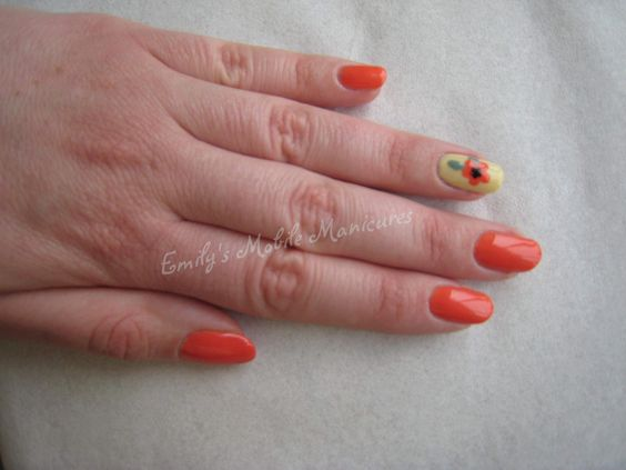 CND Shellac Desert Poppy, Sun Bleached and hand painted poppy.