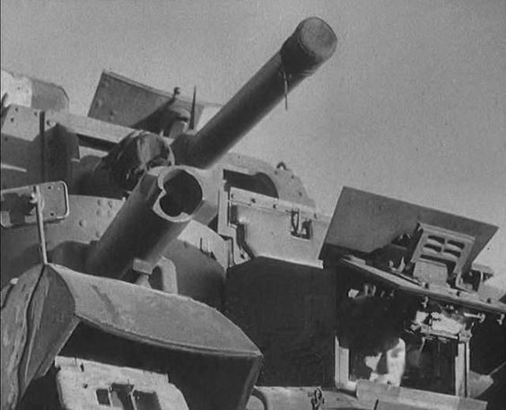 Close-up of the front of the British Cruiser Mk I tank, showing 3.7-in howitzer main armament, date unknown