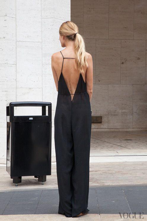 Quando tiramos a atenção das roupas que vestimos, ressaltamos a nossa beleza real (via @CO DE + / F_ORM) #minimalismo: