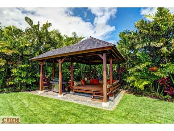 https://www.pinterest.com/marciwellens/all-things-hawaiian-or-i-must-have-been-a-local-in/