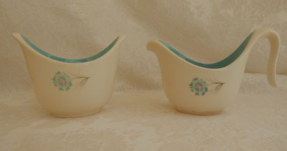 Sugar and Creamer Set - 1960s Taylor Smith & Taylor, turquoise, white @ www.etsy.com/shop/3mimis