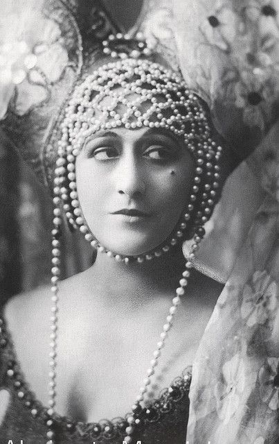 Italian silent film starlet Almirante Manzini. No quotes for Italian silent film starlet  Almirante-Manzini yet.