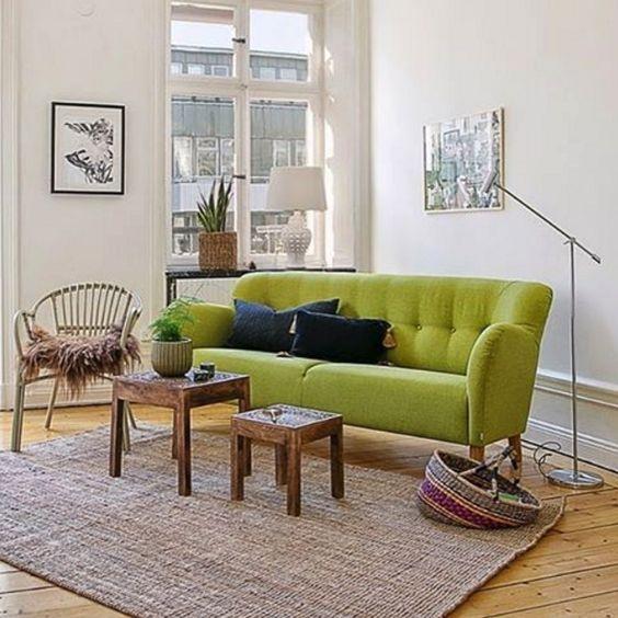 Limegrön Mustangen soffa. 50tal, inredning, vardagsrum, grön, lime ...