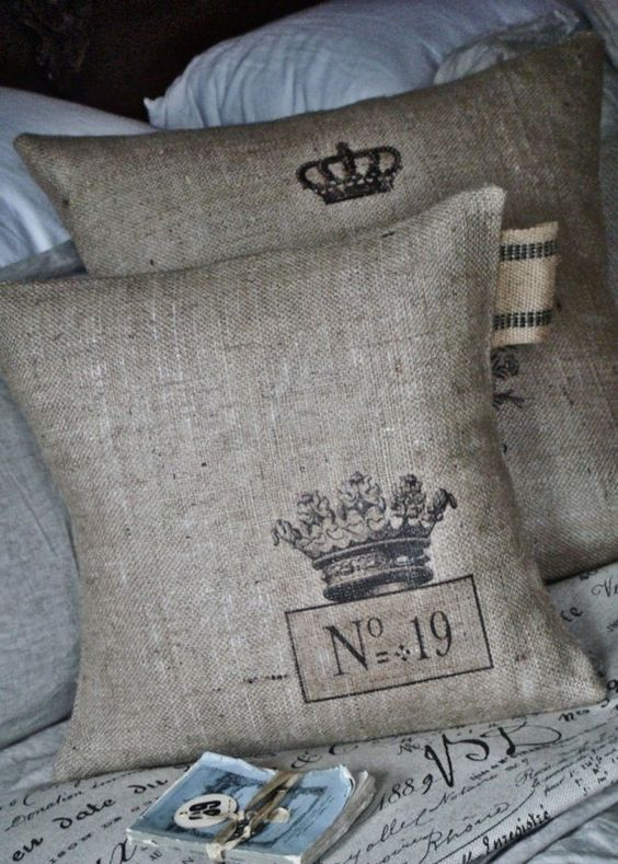 beautiful pillows. Make some copycats. Burlap, stencils, fabric paint.