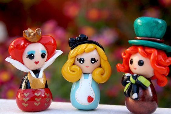 Alice in Wonderland doll Queen of hearts Mad Hatter von Chikipita