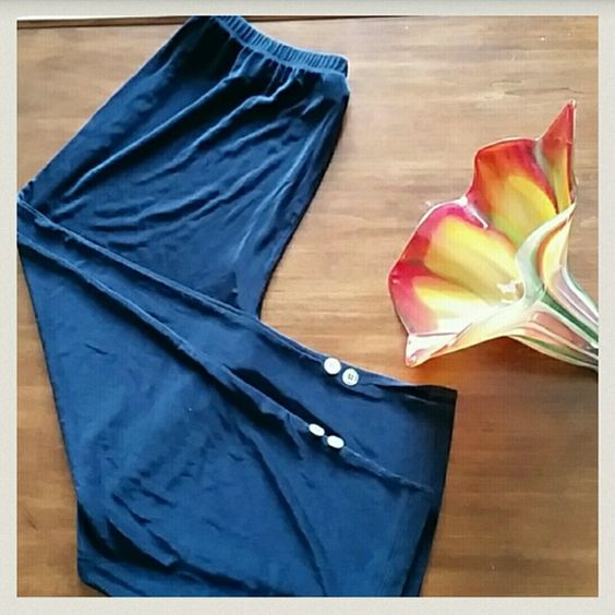 Travelers by Chico's Blue capri lounge pant with elastic waist.  Extremely comfortable in perfect condition Chico's Pants Capris
