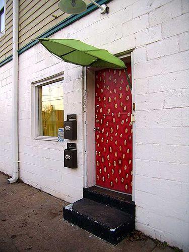 P1221787-Strawberry-Door-Old4thWard by clambake444, via Flickr  architecturetourist.blogspot.ca