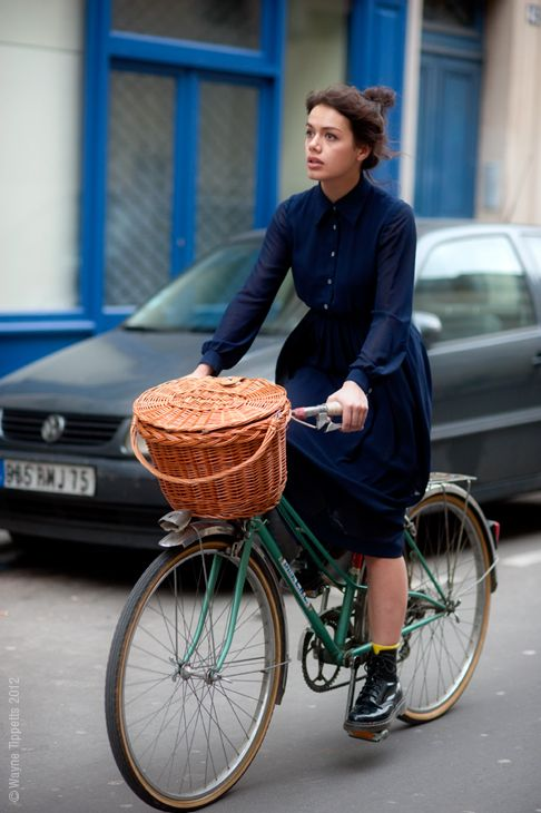Mixte! Green! Girl! Basket! Dress! Shiny stompy Doc Martin boots of lurve! SO many things to love about this photo, and this woman.