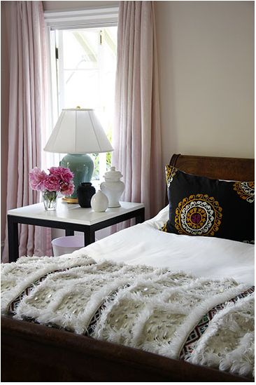 another morrocan wedding blanket pic...i need this when we buy our new home/decorate