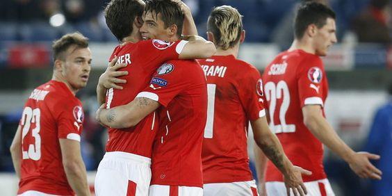 Qualifikation Fußball-EM: Die richtigen und anderen Schweizer - taz.de