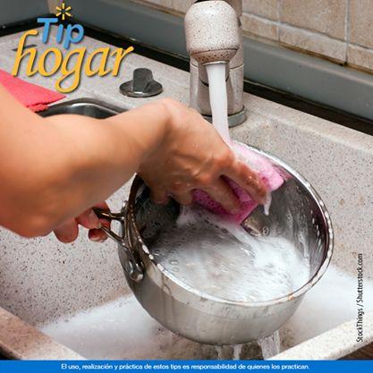 ¿Cómo limpiar ollas quemadas? ¿Te distrajeron mientras cocinabas y tus ollas terminaron quemándose? Te decimos cómo limpiarlas sin dañar la superficie. En Walmart SIEMPRE encuentras TODO y pagas menos.