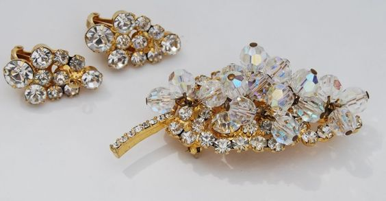 Vintage D&E Juliana Rhinestone Brooch & Earrings Dangles Crystal Clear