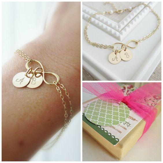 Unendlich Gold Armband personalisierte Mütter von KGarnerDesigns