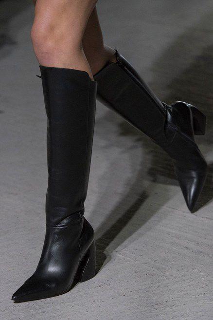 Le scarpe di moda per l'Autunno Inverno 2018 2019 viste alle sfilate sono i modelli che vorremmo avere SUBITOelleitalia