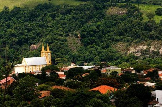 Tomazina, Paraná, Brasil - pop 8.696 (2014)