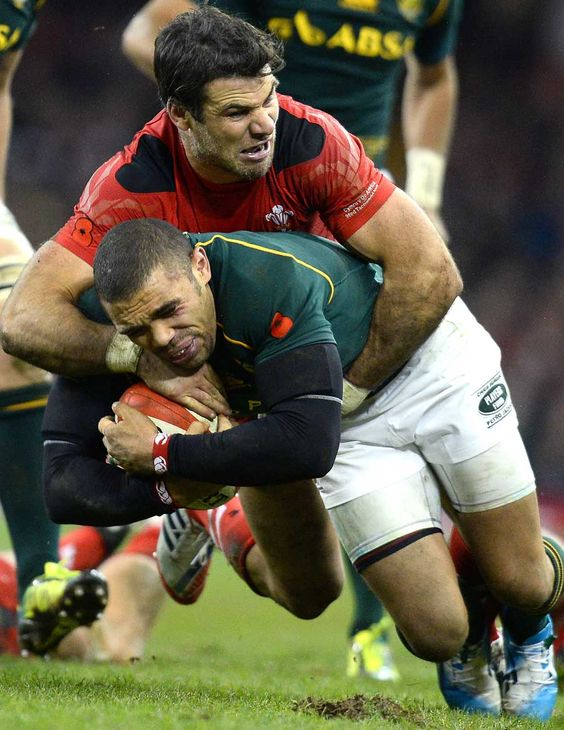 Wales Mike Phillips Halts Bryan Habana Wales Rugby Team Rugby Nations Rugby Tackle