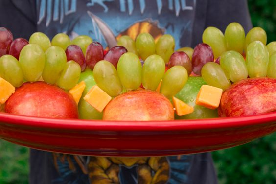 How-to: Healthy Fruit and Cheese Dinosaurs