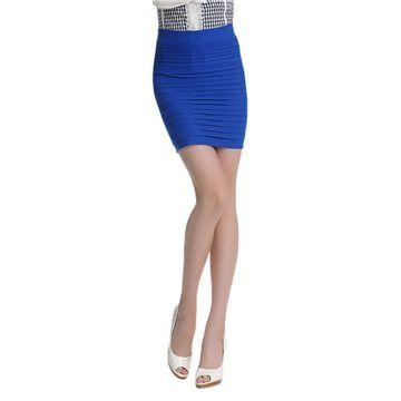 Jupe moulante plissée deux en un, elle peut se porter à la taille ou être utilisée comme un top tube. Ultra confortable, à la fois originale, jolie et facilement adaptable.  Matière : 95% Polyester, 5% Spandex  Taille unique (36-38)