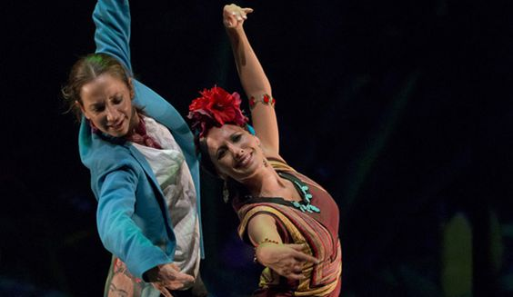 En Cupaima, Cecilia devela a través del flamenco apartes de la vida de Chavela Vargas, como el fuerte vínculo que la unía al chamanismo y su relación casi erótica con Frida Kahlo. Foto: Cortesía Festival Iberoamericano de Teatro