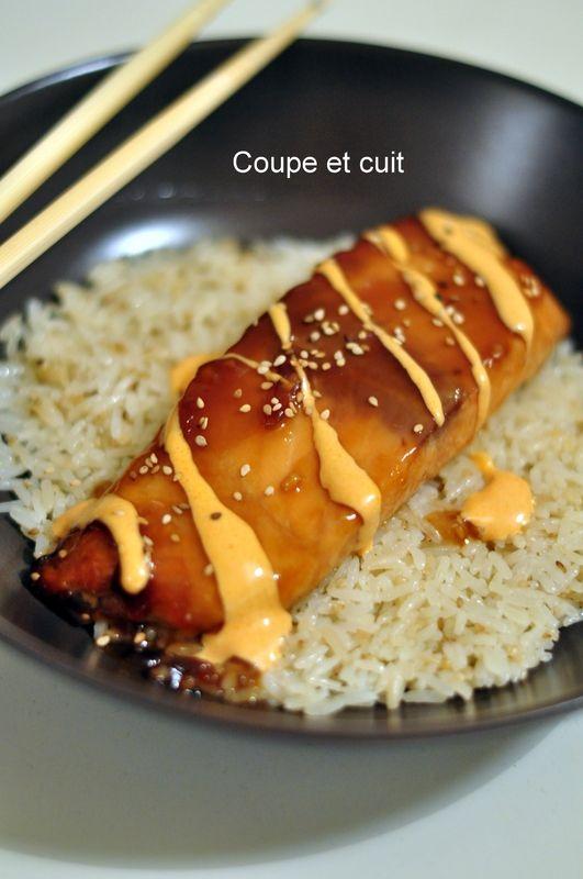 Saumon Teriyaki, sauce crémeuse Sriracha et riz au sésame