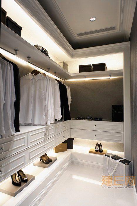 Passo a passo para um closet organizado