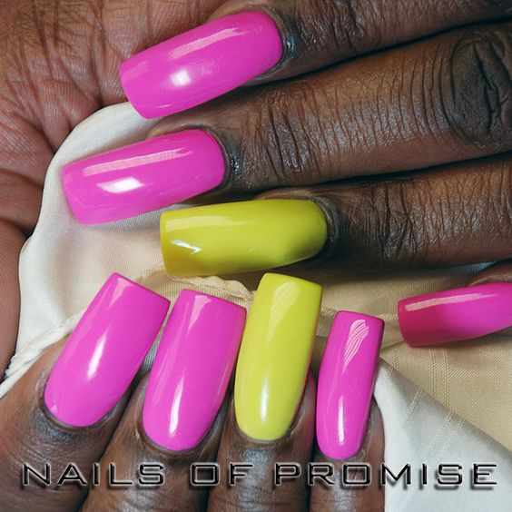 Nail designs. Hand painted nails at Nails Of Promise. Gants Hill. East London. #nailsofpromise #nailsgantshill #nailseastlondon #nailslondon #naildesigns