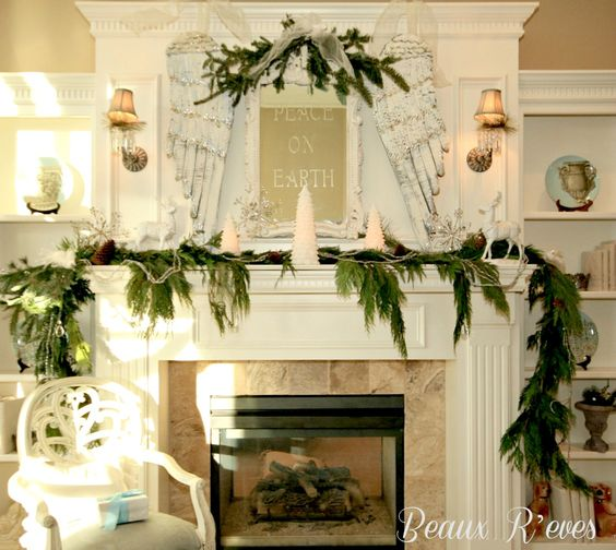 Beaux R'eves: Christmas Decorating~Let's Start With The Mantel