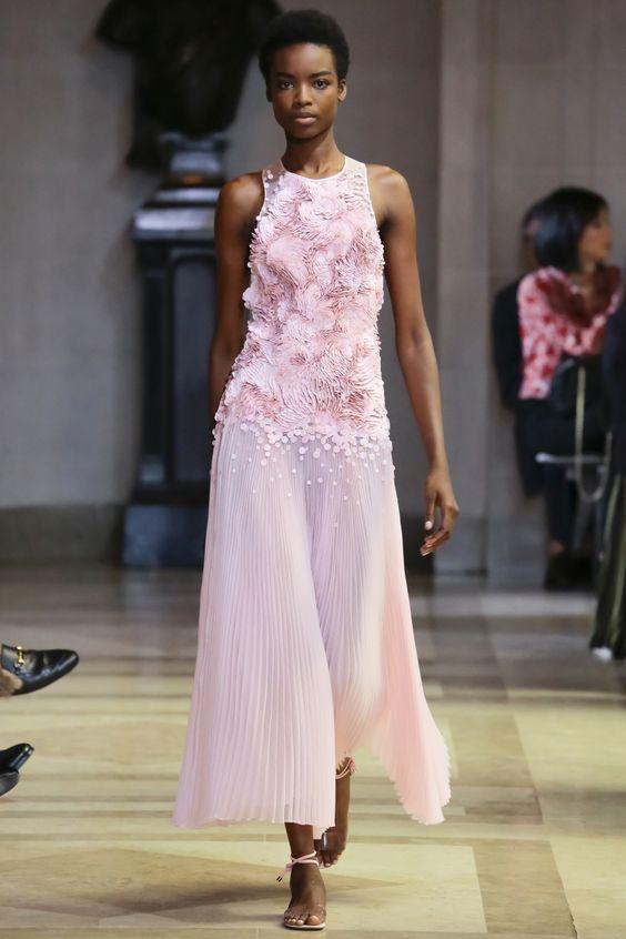 Carolina Herrera Spring 2016 Ready-to-Wear Fashion Show - Isabella Emmack