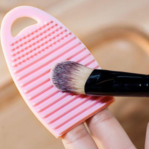 Makyaj Fırçaları Nasıl Temizlenmelidir? Fırça Temizleme Yöntemleri