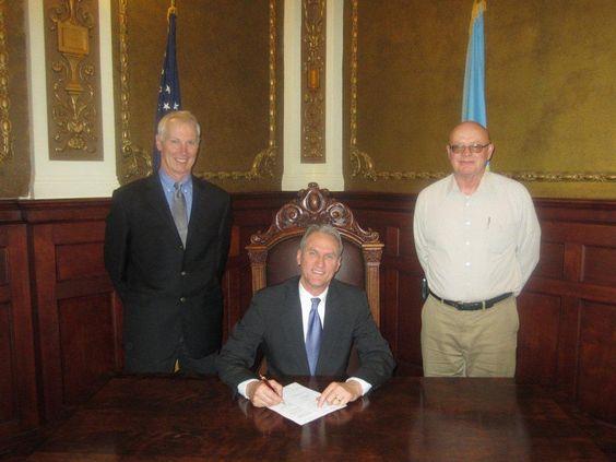 Governor Daugaard signs HB1063 http://bitsocialmedia.blogspot.com/2013/02/governor-daugaard-signs-hb-1063.html