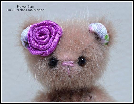 Flower Ours miniature 5cm - unoursdansmamaison.com