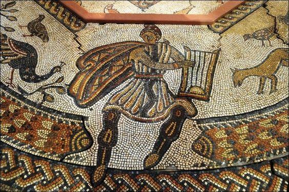 mosaico de Orfeu, réplica, vai a leilão dia 24 de junho.