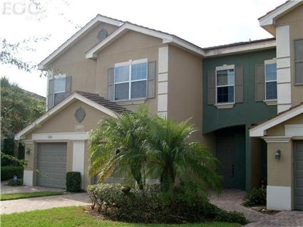 3231 Cottonwood #302, Fort Myers, FL 33905 — A desirable Verandah townhome with lovely lake views from your lanai, living room, and master suite! Beautifully & tastefully remodeled to exceed your expectations and ready for immediate occupancy! A bright kitchen with tile flooring, beautiful quartz counter tops, breakfast bar, lots of cabinets, and nice pantry/closet storage space to include a large double foyer entry closet! Nice Florida colors throughout with a spacious open floor plan…