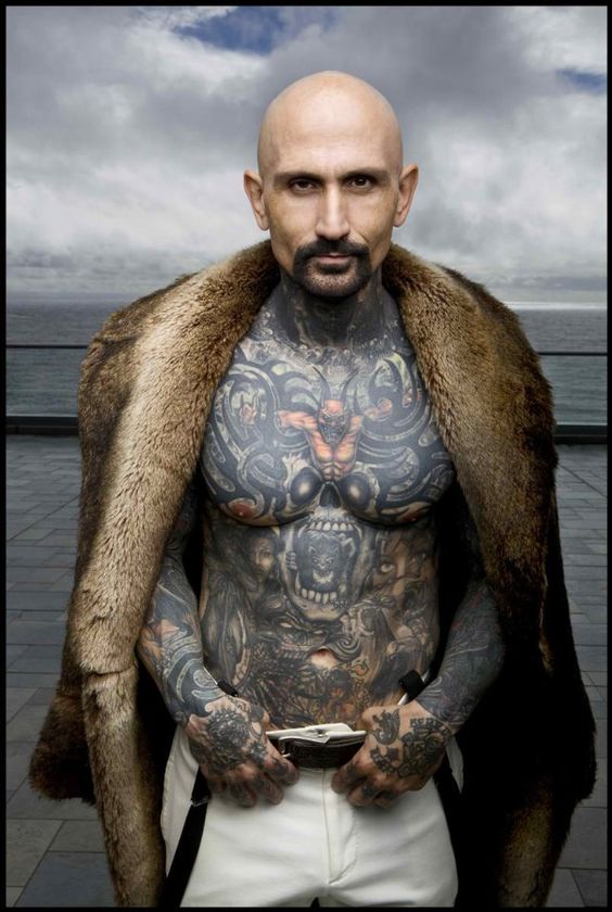 Robert LaSardo from Nip/Tuck. epic tattoos. <3
