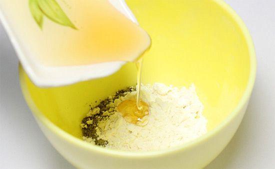 Làm đẹp da bằng mật ong bột gạo lô hội