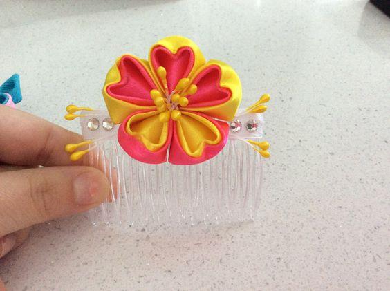 Ribbon flower heart petals