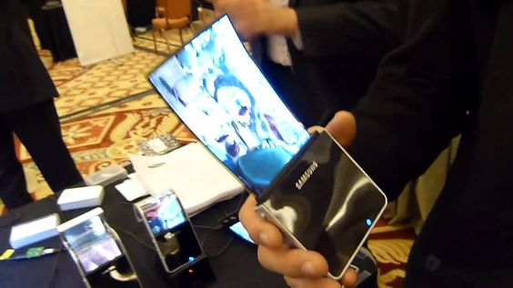 Samsung plans to release phones with bendable screens in 2017 #Samsung #phone #technews