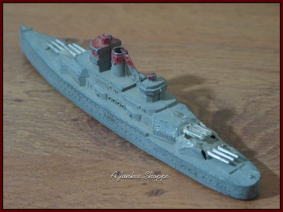 TOOTSIE TOY World War 2 Navy Battleship #1034 1940's Red Grey Silver No Masts   https://ajunkeeshoppe.blogspot.com/